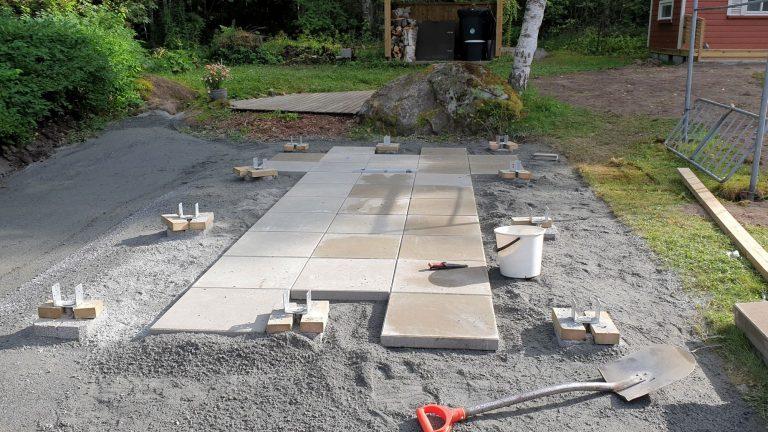 Vajan rakentaminen (osa 1): Pohjatyöt ja lattialaatat