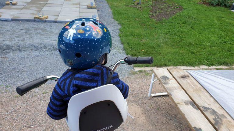 Pyöräilyn ihanuus ja lastenistuimen valinnan vaikeus